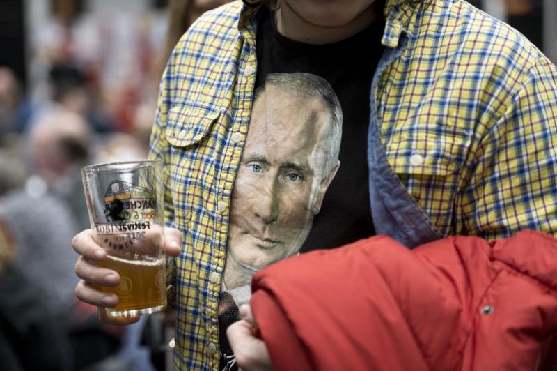 ينظر بعض اليساريين إلى بوتين كأنه استمرار للينين وستالين وبريجنيف