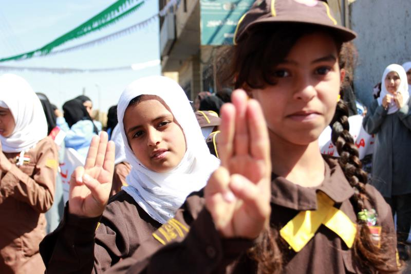 عدّد التقرير الدولي أهدافاً لـ«التحالف» منها مدارس ومساجد ومخيمات للنازحين ومؤسسات طبية