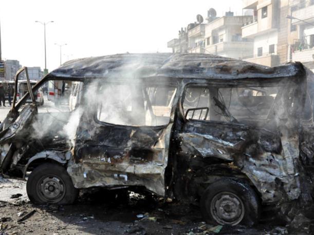 احتجاجات الأهالي مستمرة في حيّ الزهراء في حمص