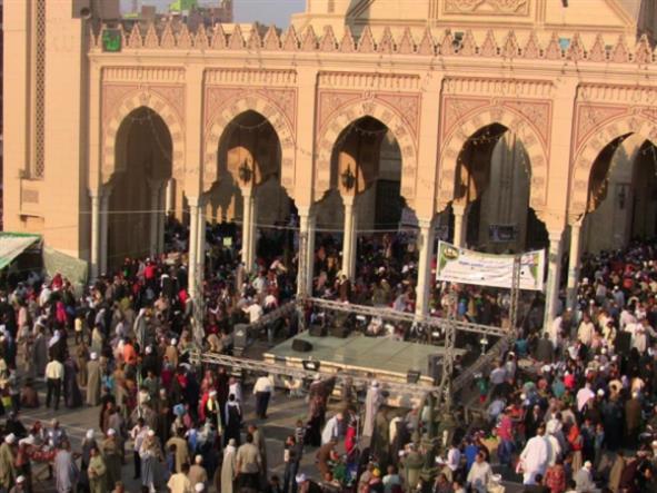 تونس: «حرب المساجد» يقودها «جنرالات» السياسة