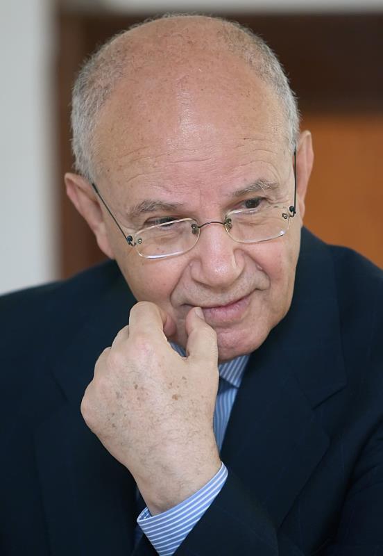 مراد حريص على التوافق: لا نريد خصومات جديدة