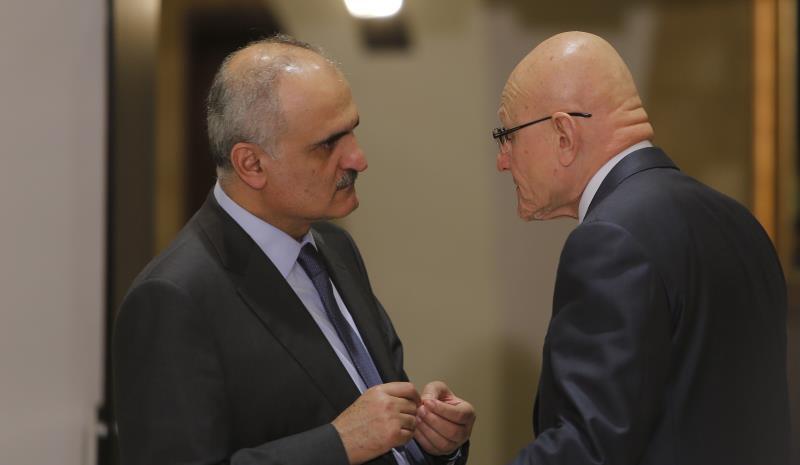 تمويل كل إنفاق إضافي بالعملات الأجنبية من دون تمويل يستنزف احتياطي مصرف لبنان