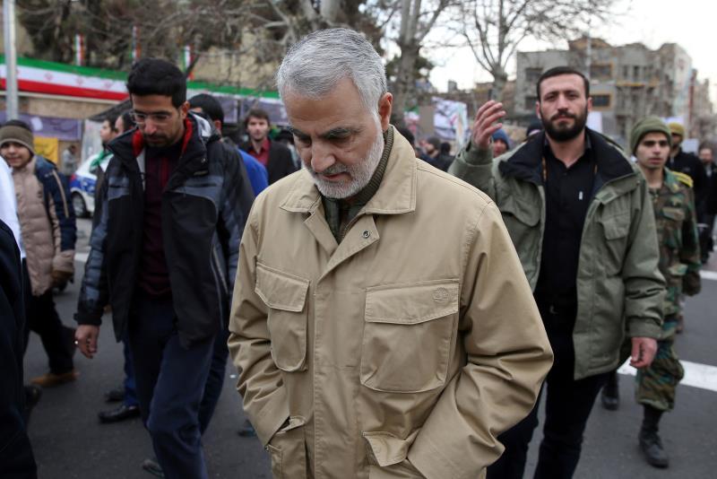 كانت لافتة مشاركة اللواء قاسم سليماني في المسيرات التي جابت شوارع العاصمة طهران