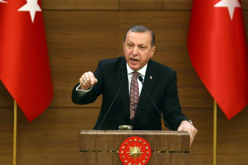 ضوء أخضر أميركي «للمتمردين» بالتخلص من أردوغان أو تهميشه