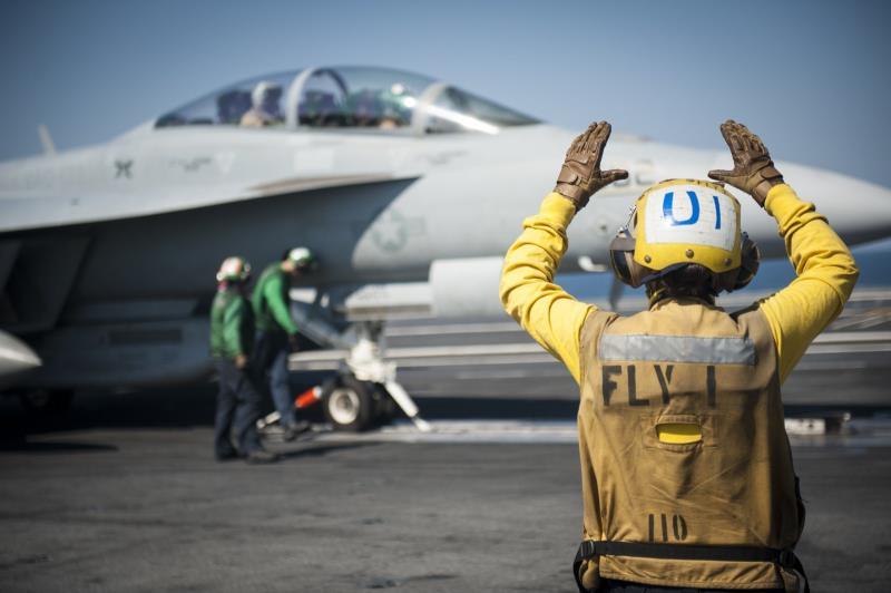 هل ما زال هناك دور للطائرة الحربية يساوي تكلفتها؟