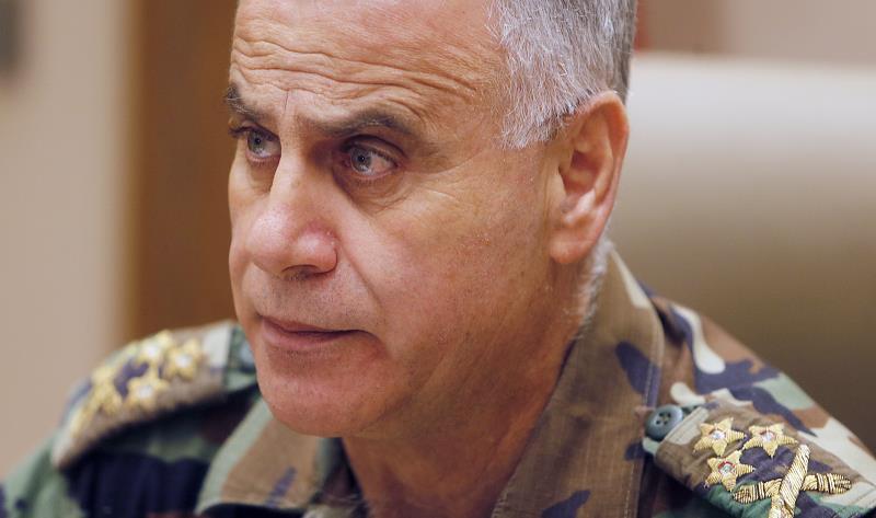 صاحب الدعوى متضرر من تأجيل التسريح لقائد الجيش