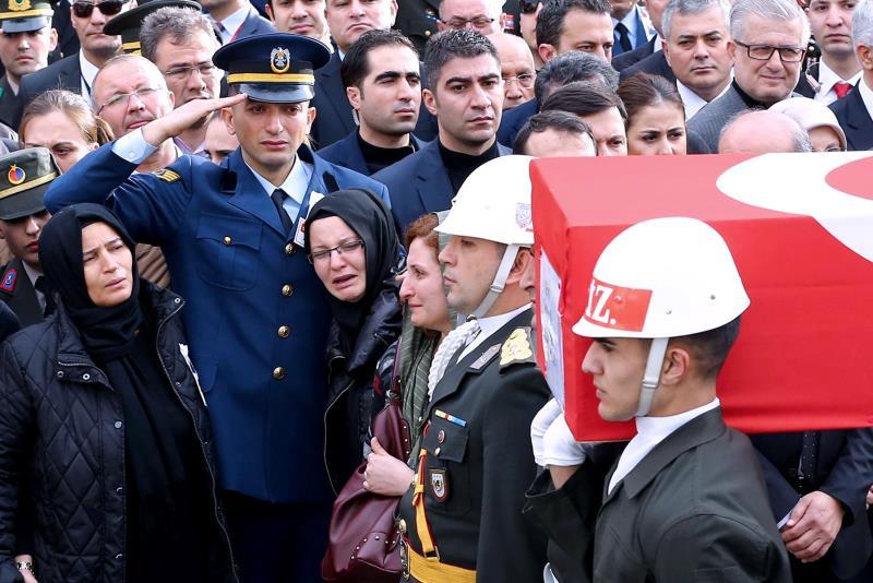 حرب أنقرة ماضية في حصد أرواح العسكريين والمواطنين الأكراد