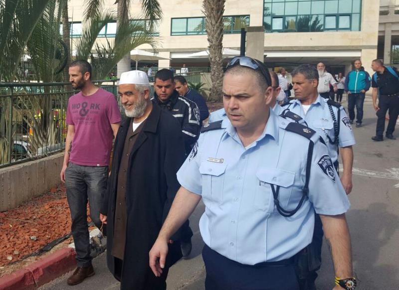 شرطة العدو تعتقل رائد صلاح ومحمد بركة في مستشفى العفولة