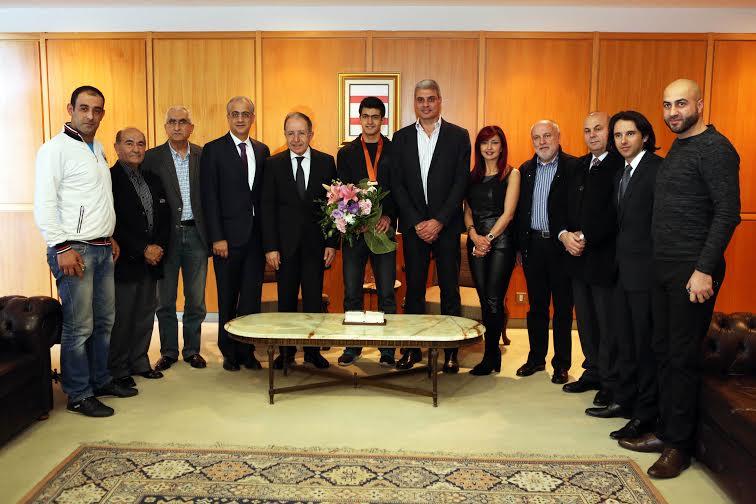 أنطوني الشويري مع الرسميين في صالون الشرف