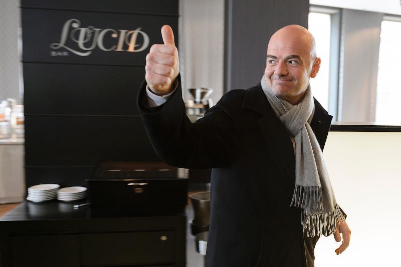 إينفانتينو سيكون المنافس الاقوى للشيخ سلمان (فابريس كوفريني ــ أ ف ب)