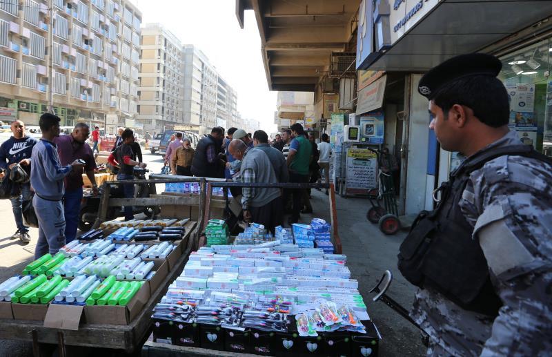 """دعا الصدر أهالي بغداد إلى التظاهر على أبواب """"المنطقة الخضراء"""" الجمعة"""