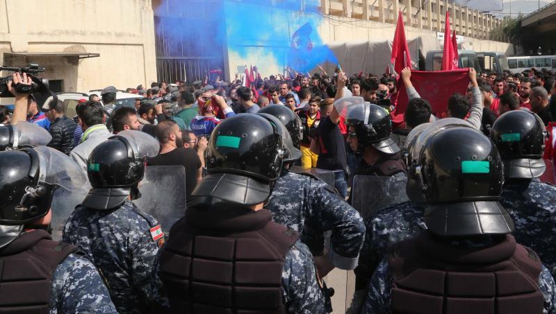 شكل التظاهرة يدلّ على خبرة اكتسبها قسمٌ كبيرٌ من المشاركين من تظاهرات شاركوا فيها لقضايا اجتماعية او سياسية