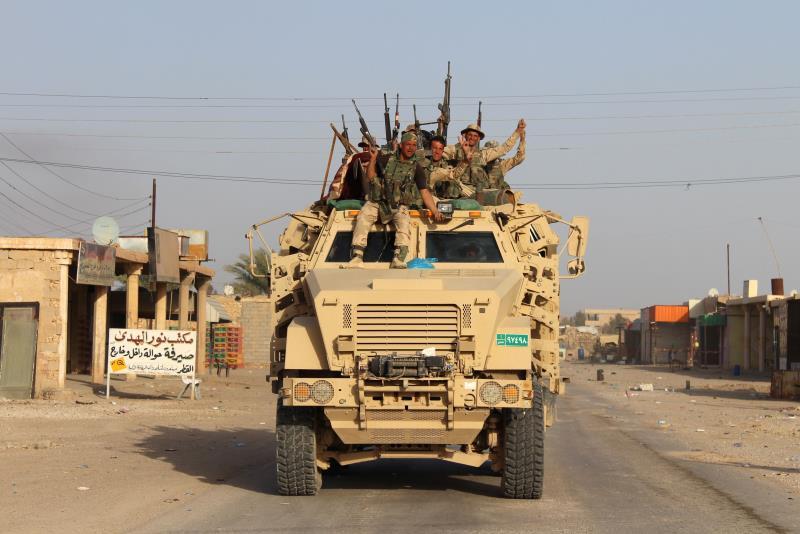 """فرّ معظم مسلّحي """"داعش"""" من قضاء هيت الخاضع لحصار القوات العراقية"""