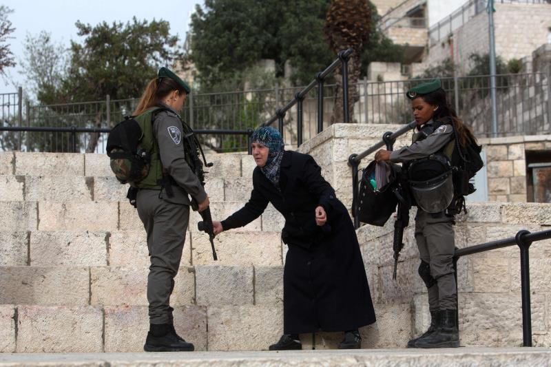 قبالة باب العمود في القدس المحتلة يوم أمس