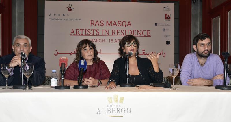 من اليمين: روي ديب، وأماندا أبي خليل، وندى الخوري، وعلي العلي (معهد الفنون الجميلة ــ الجامعة اللبنانية ــ فرع الشمال)