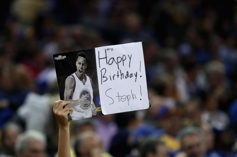 احتفل كوري بعيد ميلاده الـ 28 بالفوز (أ ف ب)