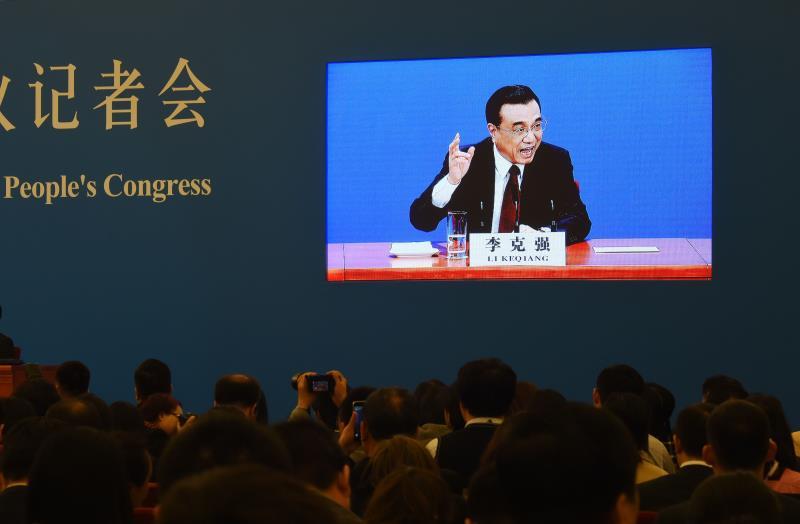 لي: التنمية الصينية قوة يُعتمد عليها لحفظ السلام العالمي