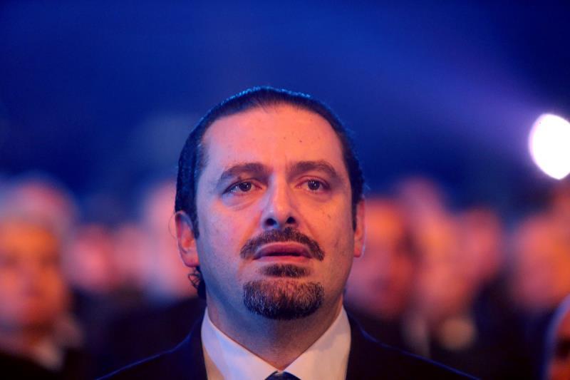 ينشغل الحريري بـ«السِّلفي» كأنه لا يعلم أن «موضتها» ولّت في بيروت