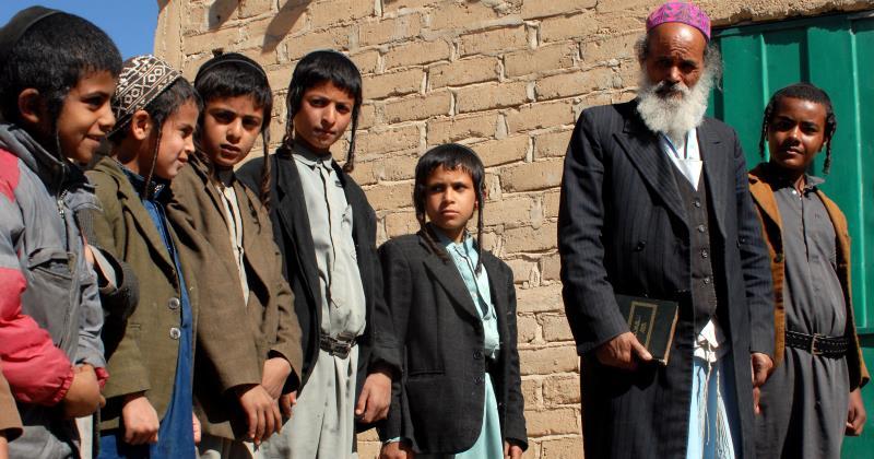 يعيش اليهود اليمنيون في مدينة سعوان برعاية من السفارة الأميركية (أ ف ب)
