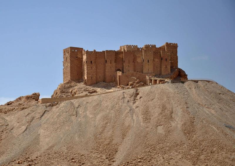 ساعات تفصل القوات البرية عن الوصول إلى قلعة تدمر