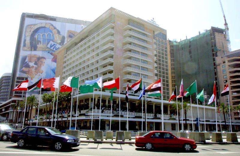 بدأت ادارة فندق «فينيسيا» خطة اعادة هيكلة قد تتضمن صرف نحو 60 موظفاً وموظفة