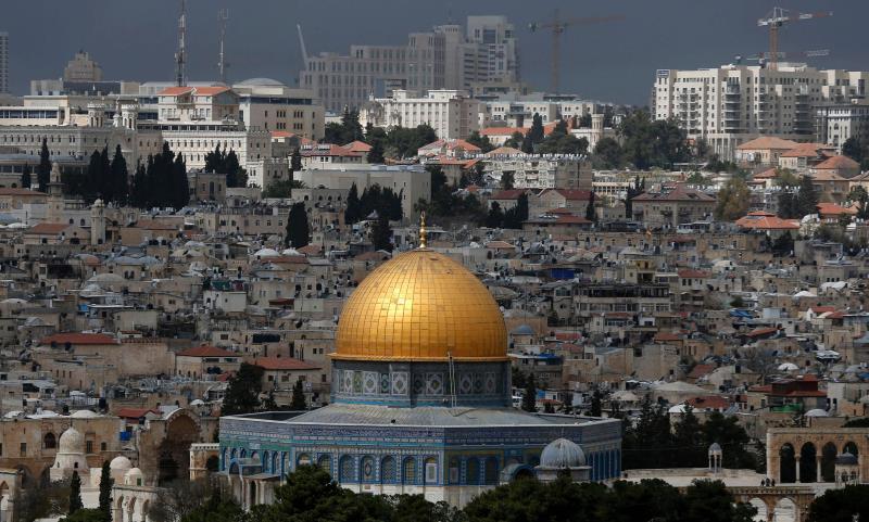 يأخذ طرابيشي بمقولة التقليل من أهميّة القدس في «الوعي الإسلامي للعصر الوسيط» (أ ف ب)