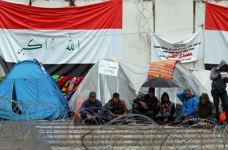 واصل أنصار الصدر اعتصامهم على أبواب «المنطقة الخضراء»
