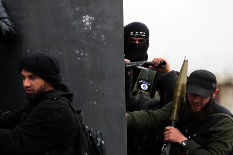 تتحدث مصادر أمنية غربية عن نية«داعش» نقل معركته من عرسال إلى الحدود الشمالية