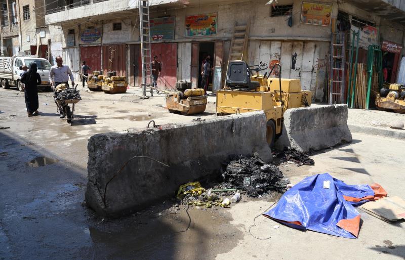 قتل 3 وأصيب 27 في تفجير تبنّاه «داعش» في وسط بغداد أمس