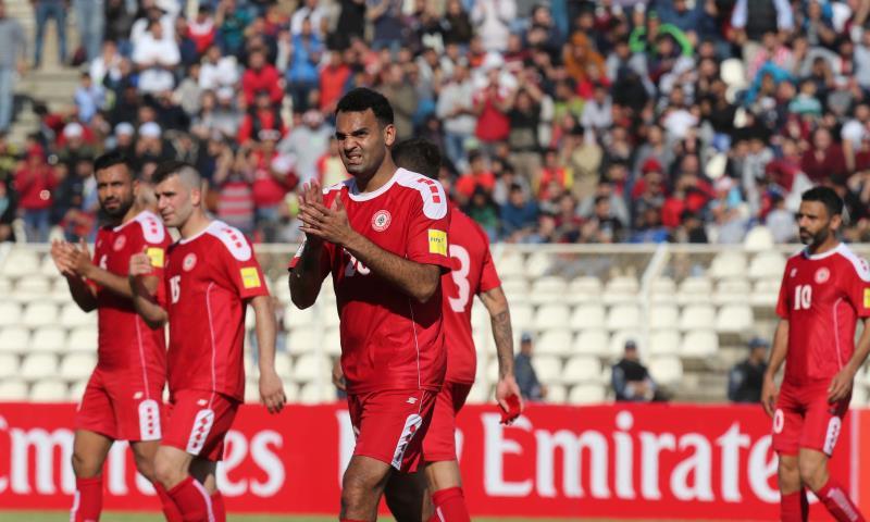 لحظة خروج رضا عنتر من المباراة في آخر مشاركة له مع منتخب لبنان