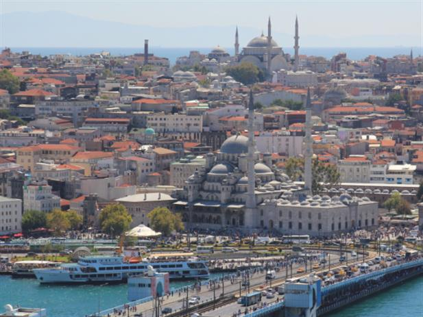 السياحة إلى الخارج تتراجع:  اللبنانيون يقلعون... عن السفر
