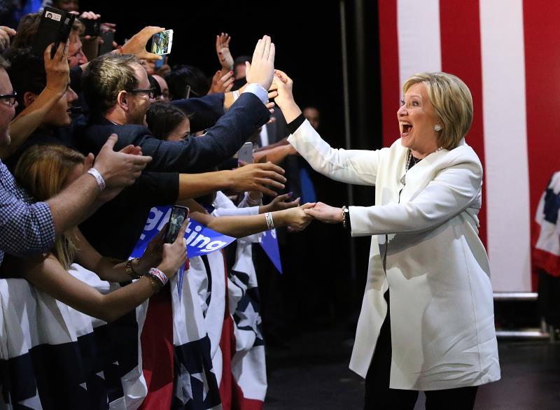 كما كان متوقعاً فازت كلينتون في ولايات الجنوب حيث تلقى دعم الأقليات
