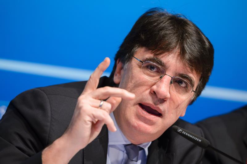 قرر ثيودوريديس سريعاً عدم إجراء انتخابات رئاسية (فابريس كوفريني ـ أ ف ب)