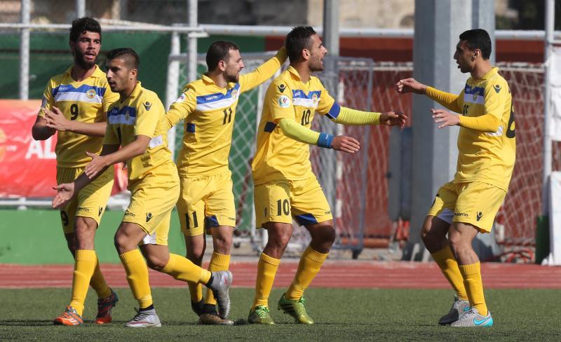 فرحة لاعبي العهد بهدف أحمد زريق