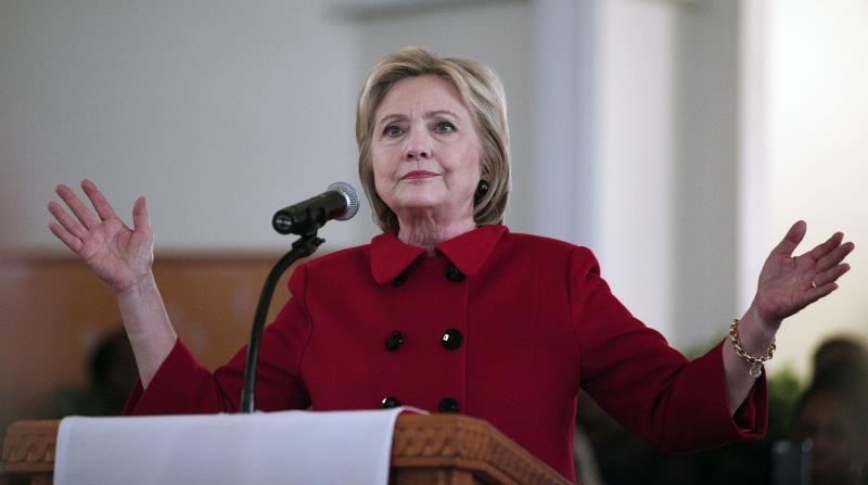 لا تزال كلينتون الأوفر حظاً للفوز بترشيح الحزب الديموقراطي