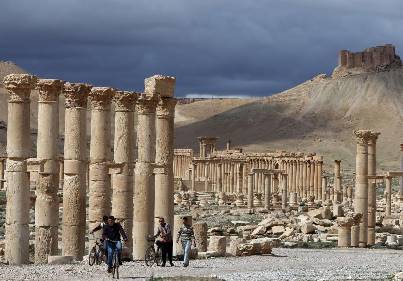 أطلق الجيش السوري أمس معركة استرجاع مدينة تدمر التاريخية