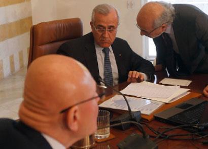 لبنان إزاء التحديات الأمنية والسياسية