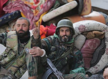 طائرات سورية تلاحق المسلحين الفارّين إلى عرسال