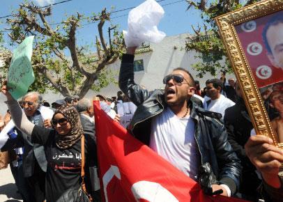 في عودة وجوه النظام البائد في تونس!