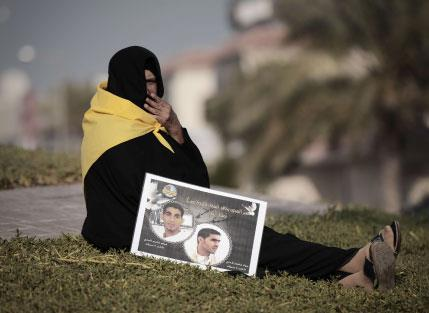 البحرين: ابن الملك متهم في... بريطانيا!