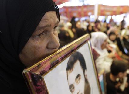يوميات عائلات المضربين بين الخيمة والمسيرة
