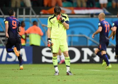 هولندا تحجِّم إسبانيا بالخمسة