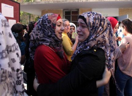 إسرائيل توزّع الشهادات على الطلاب!
