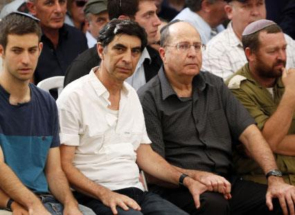تل أبيب تبدأ انسحاباً أحادياً: الإعمار مقابل نزع السلاح