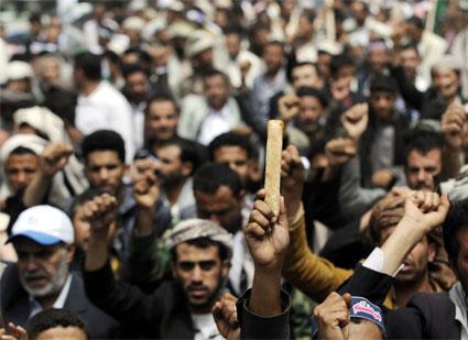 اليمن | رفع الدعم عن الوقود يتهدد حكومة «الوفاق الوطني»