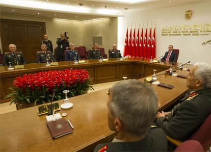 تركيا | نحو إقصاء «جماعة غولن» عن الجيش؟