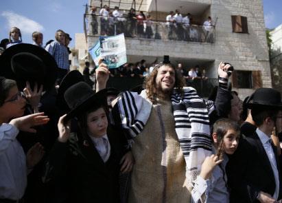 متطوعون يهود لفرض التفوقية العرقية في فلسطين