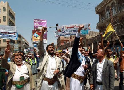 لهذا فشلت السعودية  في اليمن ... ونجحت إيران!
