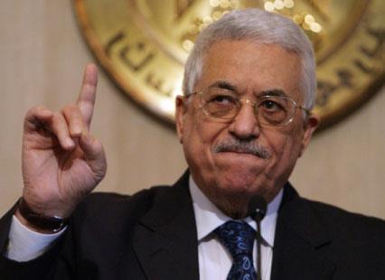 عباس يربك اجتماع «القمة»... ويشكو للسيسي