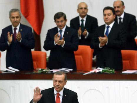 تركيا تدخل الحرب لـ«إسقاط الأسد»